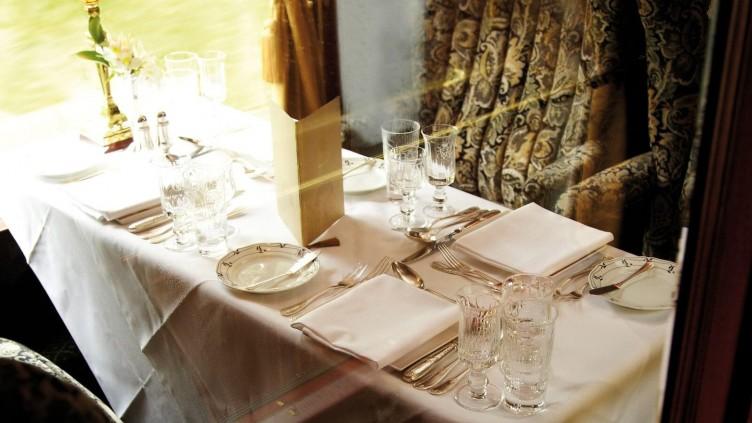 Champagne Afternoon Tea ombord på British Pullman